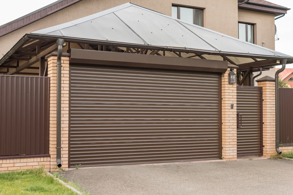 The convenience of domestic roller shutter doors